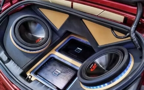 installing your amp next to your subwoofer is a good idea